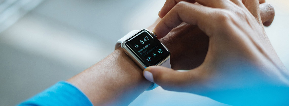 Neben Android Wear und Pebble steigt nun auch Apple in den Markt der Smartwatches ein.